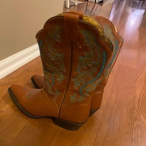 AUTHENTIC LEATHER COWBOY BOOTS FROM NASHVILLE